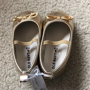 NWT Infant  Girls Crib Shoes Gold 12-18M